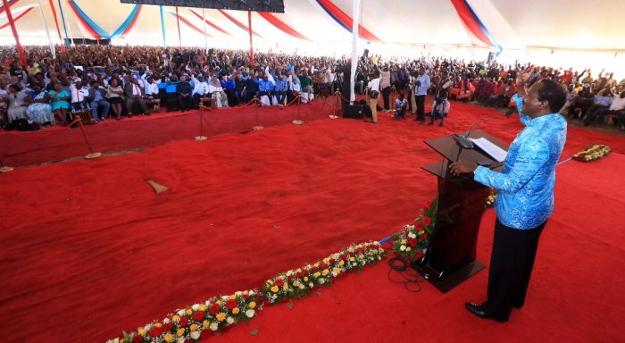 Kalonzo Musyoka addresses a meeting in Ukambani